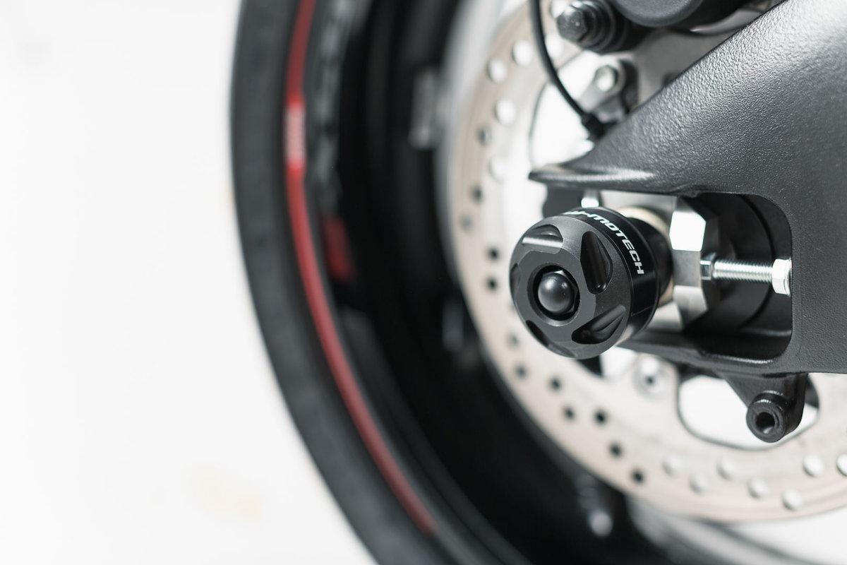 Sturzpads für die Hinterachse, Suzuki GSX-S1000F - SW-MOTECH