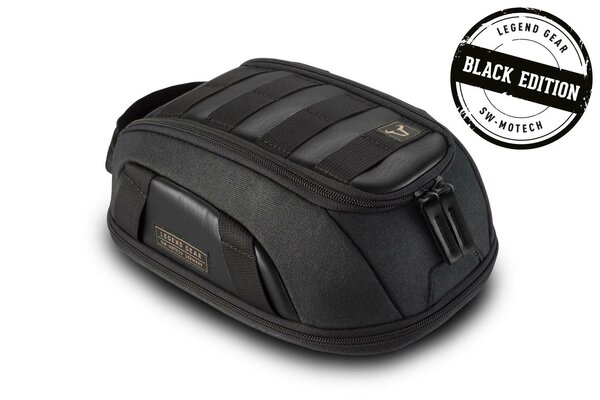 Legend Gear sacoche de réservoir LT1 Black Edition 3,0 l - 5,5 l. Fixation par aimants.