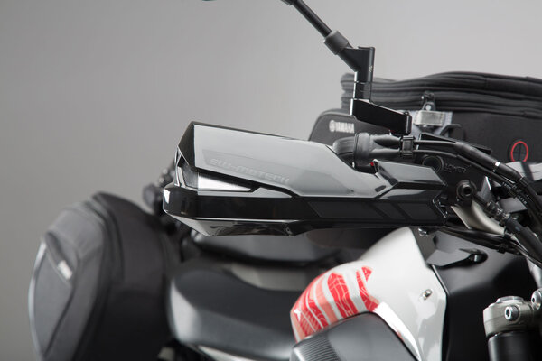 Kit de protectores de manos KOBRA Negro. MV Agusta Brutale 800, modelos Yamaha.