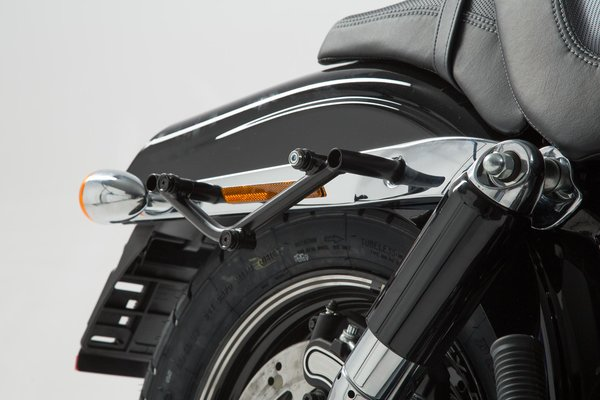 SLC Seitenträger links Harley Davidson Dyna Fat Bob (08-17).