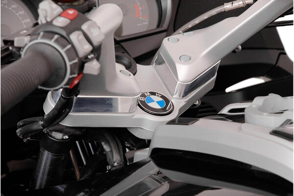 Réhausseur de guidon h=25 mm. Gris. BMW R 1200 RT (05-).