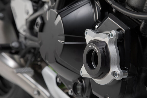 Engine case protector Black/Silver. Kawasaki Z900 (16-)/Z900RS (17-).