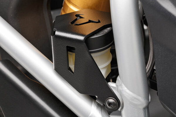 Brake reservoir guard Black. BMW R1200GS, R1250GS.