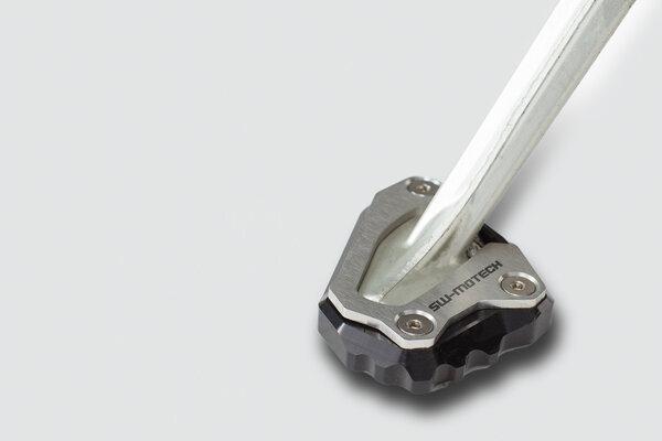 Seitenständerfuß-Verbreiterung Schwarz/Silbern. Yamaha YZF-R1 (15-), MT-10 (16-).