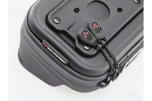 Navi case Pro M Water-resistant. Black.