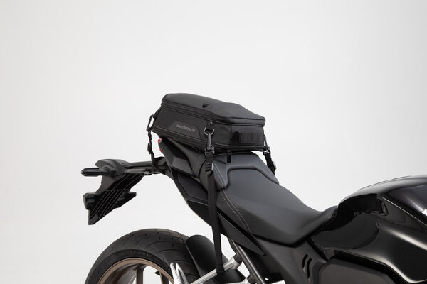 ION S tail bag 7-15 l. Black. 600D Polyester / Soft-Vinyl.