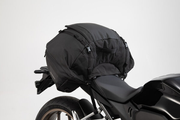 ION L tail bag 50 l. Black. 600D Polyester / Soft-Vinyl.
