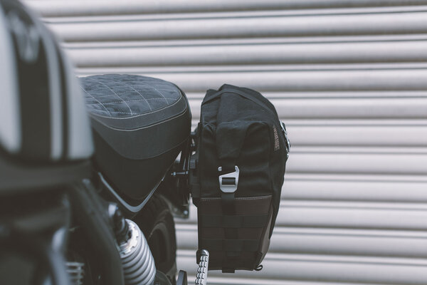 Legend Gear side bag LC1 - Black Edition 9.8 l. For left SLC side carrier.
