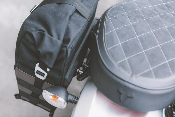 Legend Gear side bag LC2 - Black Edition 13.5 l. For left SLC side carrier.