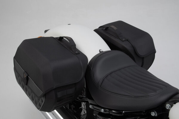 Legend Gear Seitentaschen-System LH Harley-Davidson Softail Slim (17-).