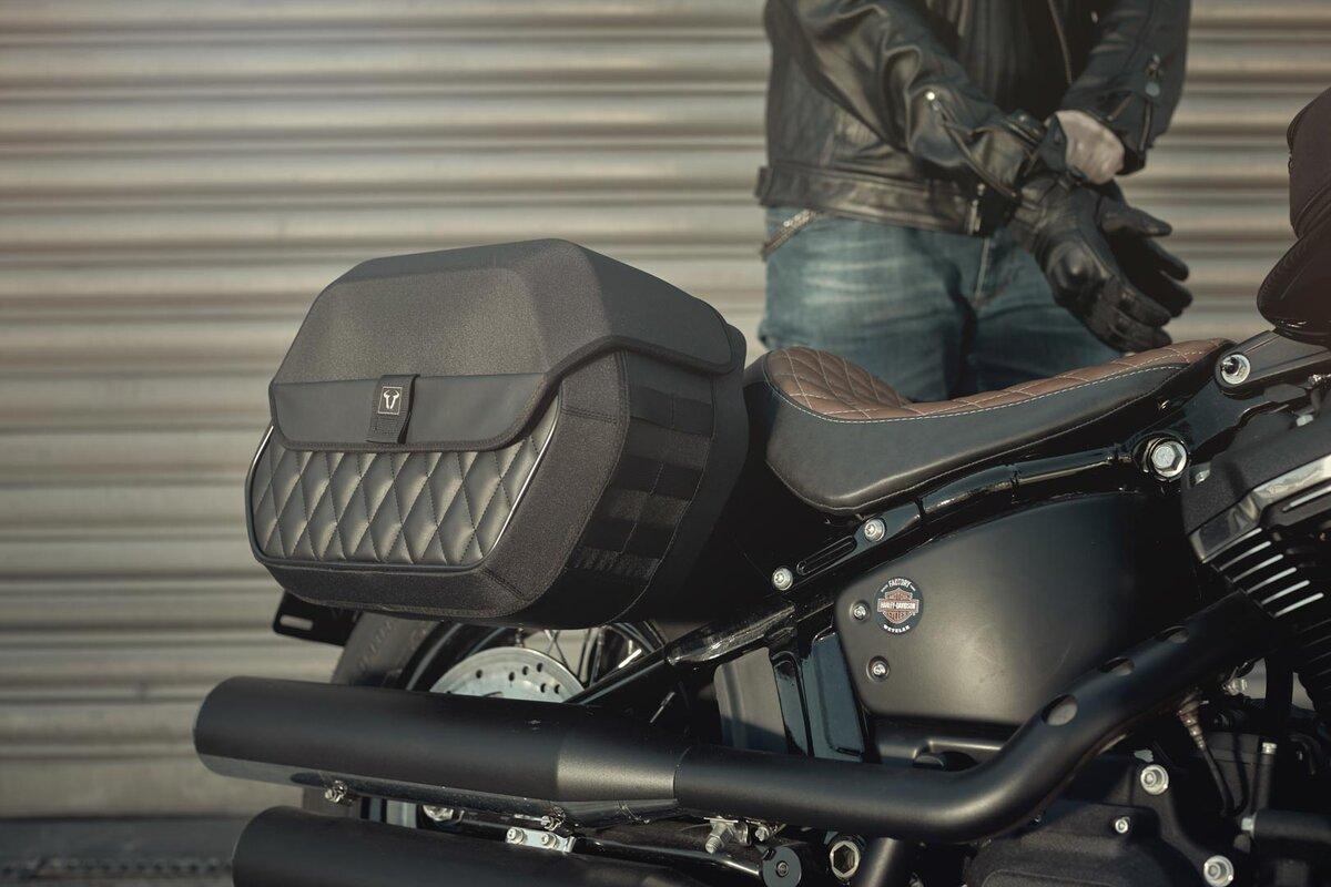 Saddlebag 8L for Harley Softail Fat Bob 114 left side black