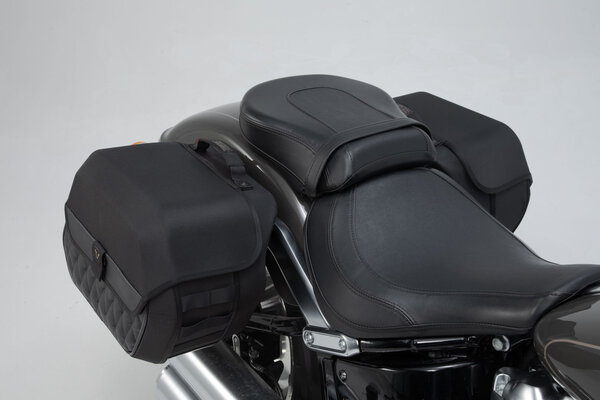 Legend Gear Seitentaschen-System LH Harley-Davidson Softail Fat Boy  (17-).
