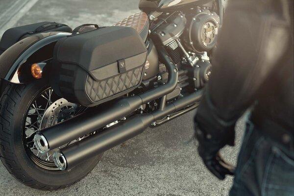 Legend Gear Seitentaschen-System LH Harley-Davidson Softail Breakout / S (17-).