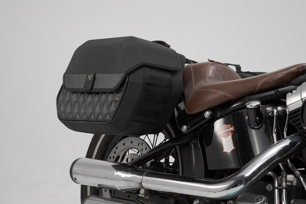 Legend Gear Seitentaschen-System LH Harley-Davidson Softail Slim (12-17).