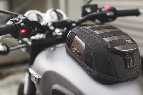 Legend Gear magnetic tank bag LT1 3.0 - 5.5 l. Magnetic fastening. Splash-proof.