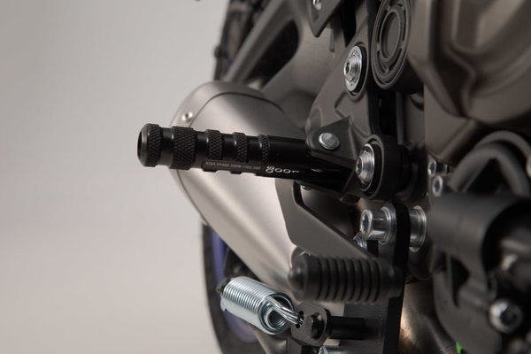 Racing footrest kit Black. Yamaha MT-07 / YZF-R3.