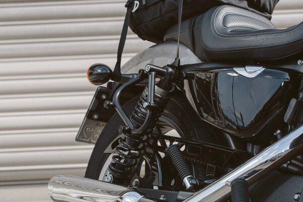 SLC Seitenträger rechts Harley Sportster Modelle (04-).