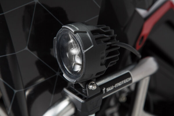 EVO Nebelscheinwerfer-Kit Universal Schwarz. Mit Sturzbügelklemmen für Scheinwerfer.
